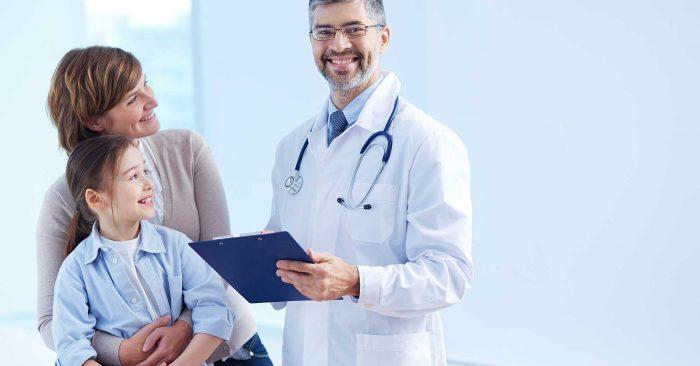 medico sorrindo