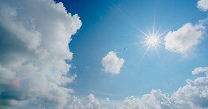 sol brilhando no céu